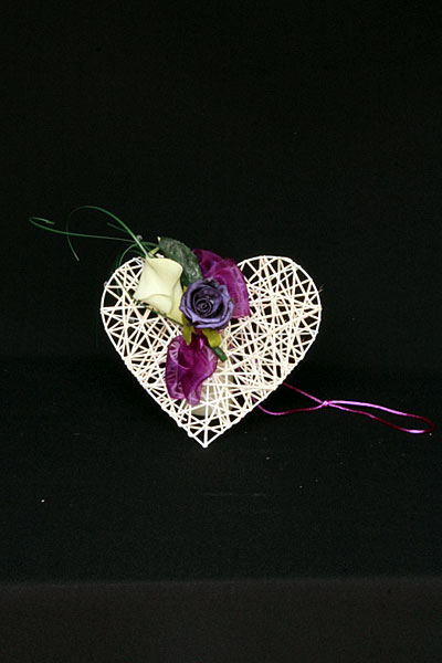 pew-end-cream_ivory-wicker-heart-decorated